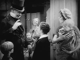 David_Copperfield_(1935)_-_trailer_screenshot